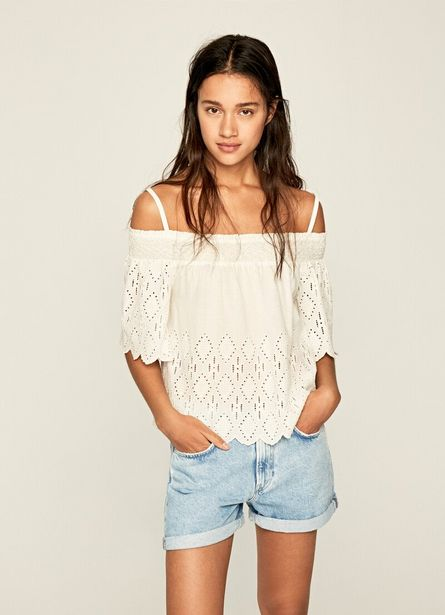 Oferta de LUNA OFF THE SHOULDER BLOUSE por $75