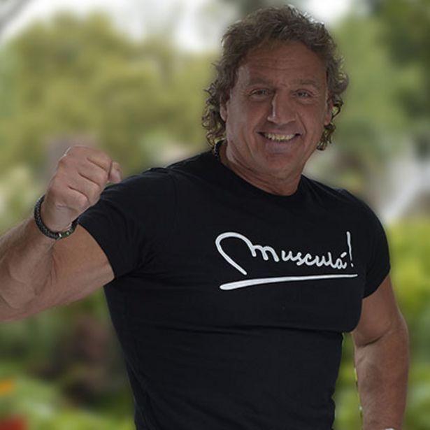 Oferta de Remera Estampa Musculá Talle M por $499