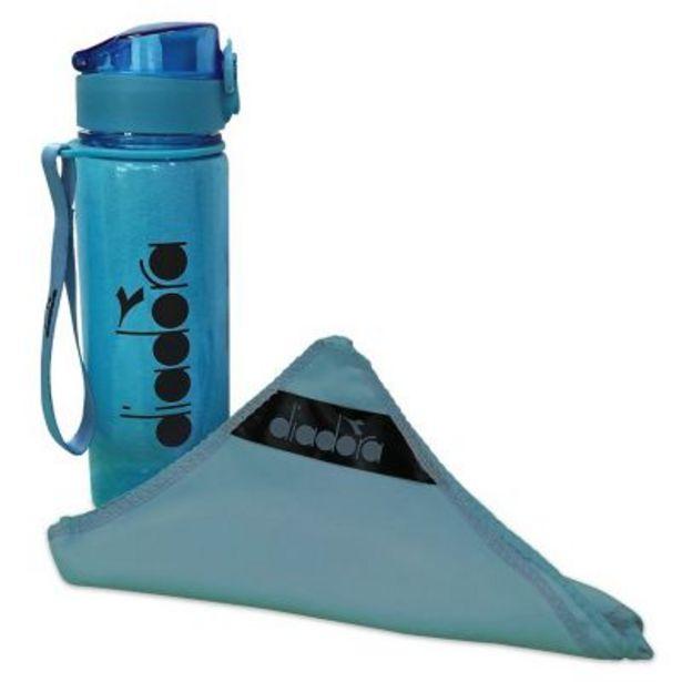 Oferta de Sport pack toalla de microfibra + botella por $790