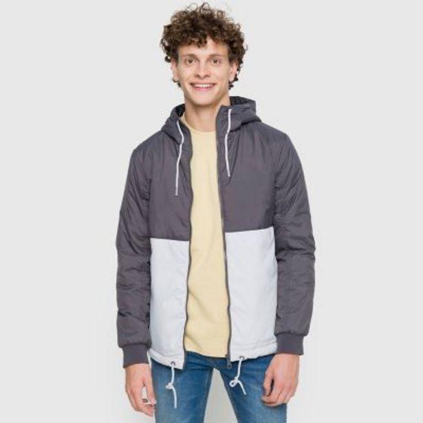 Oferta de Campera con capucha combinada por $1490