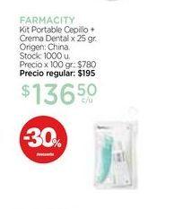 Oferta de Kit Portable Cepillo + Crema Dental x 25 gr. por $136,5