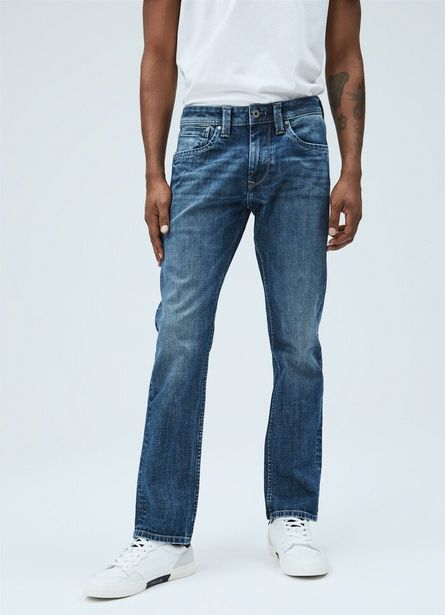 Oferta de CASH REGULAR FIT REGULAR WAIST JEANS por $10300
