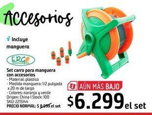 Oferta de Set carro para manguera con accesorios  por $6299