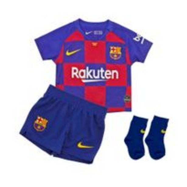 Oferta de Conjunto Futbol Nike FCB Niños por $5489