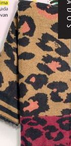 Oferta de Bufanda animal print reversible. por