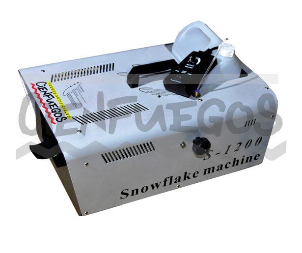 Oferta de Maquina de nieve 1200 W por $27007