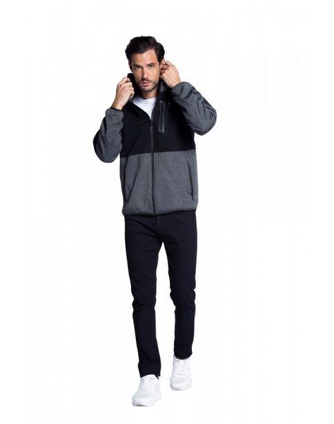 Oferta de Campera deportiva con capucha y manga ranglan por $5999